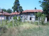 Едноетажна къща в село 55 км от Пловдив