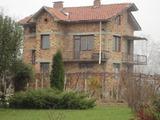Голяма къща в тихо село