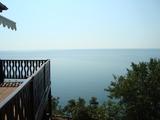 Триетажна къща с морска панорама
