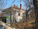 Едноетажна къща с двор за продажба на 45 км от Пловдив
