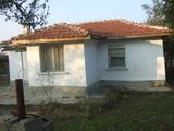 Къща за продажба близо до гр. Елхово