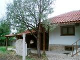 Малка реновирана къща в Суворово