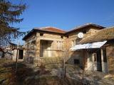 Къща в центъра на Млада Гвардия