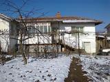Къща в село Лесово