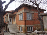 Две къщи в общ парцел за продажба близо до Бургас