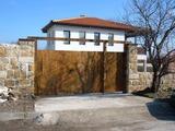 Къща в село Здравец, област Варна