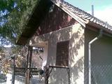 Малка и спретната вила във вилната зона на град Дряново