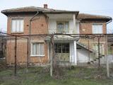 Двуетажна къща до Елхово