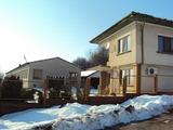 Имот с производствени халета и двуетажна къща в село близо до Ловеч