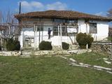 Стара къща за продажба на 30 км Елхово