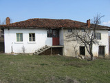 Къща с двор до Елхово