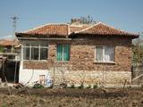 Китна къща в добре развито село