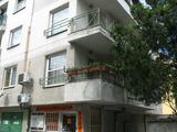 Тристаен апартамент в близост до Военна болница
