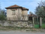 Селска къща близо до Тополовград