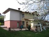 Къща с двор до София