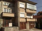 Четиристаен апартамент на първи етаж в сграда в неспосредственна близост центъра на град Севлиево
