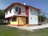 Новопостроена двуетажна къща в Близнаци
