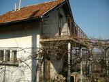 """Вила с дворно място във вилна зона """"Бабаковец"""" на град Ловеч"""