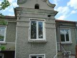 Двуетажна къща в Петров Дол
