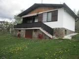 Ремонтирана вила в селце с прекрасни гледки в Троянският балкан