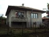 Селска къща на две нива с двор на 50 км. от старата столица Велико Търново