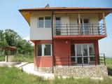 Новопостроена двуетажна къща в село на 14 км от Пазарджик