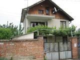 Здрава и хубава къща в село на 17 км от Ямбол