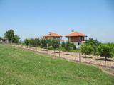 Новопостроена къща с градина в близост до Пазарджик