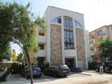 Апартаментен комплекс Вила Флора в Равда