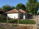 Селска къща след ремонт в отлично състояние в село на 45 км. от Велико Търново