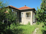 Масивна семейна къща в близост до спа курорта Хисар