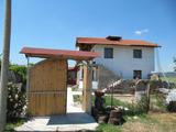 Къща с двор на 15 км от Хисаря