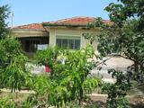 Къща в село на 44 км от Пловдив
