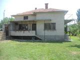 Приятна семейна къща с градина близо до Сливен