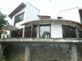 Новопостроена двуетажна къща на брега на р. Дунав