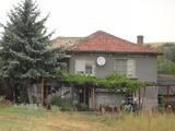Селски имот в малко селце