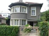 Двуетажна градска къща, подходяща за две семейства в Габрово