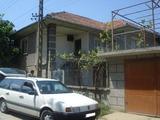 Двуетажна къща с дворно място в село на 15 км. от Велико Търново
