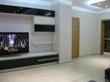 Луксозен, напълно оборудван и обзаведен тристаен апартамент близо до центъра на Пловдив