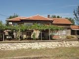 Хубава къща в добро състояние