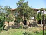 Къща за ремонт в село на 30 км от Пловдив