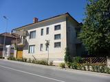 Къща с магазин в  Бяла