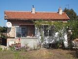 Ремонтирана къща в село Миролюбово