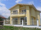 Новопостроена къща в село Искра