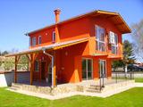 Новопостроена къща в село, близо до град Балчик