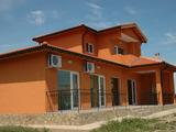 Новопостроена двуетажна къща близо до Балчик