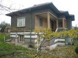 Масивна къща с двор за продан близо до Видин