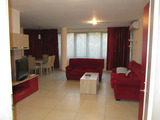 Луксозно обзаведен тристаен апартамент в центъра на Пловдив