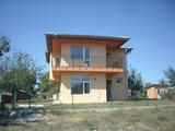 Двуетажна нова къща, близо до KK Албена