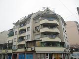 Обзаведен тристаен апартамент в Кючук Париж в Пловдив